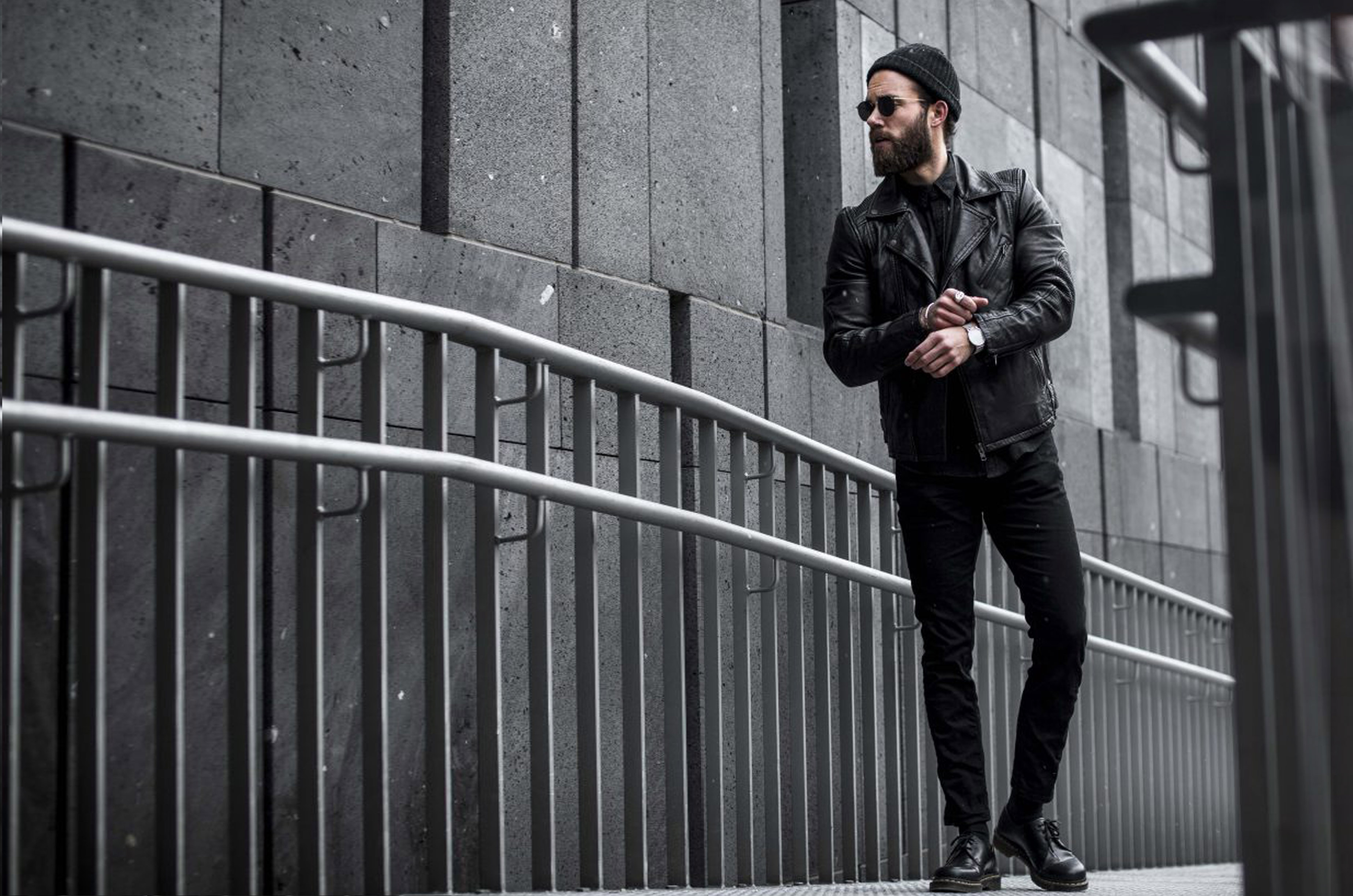 Gabba Denim Fashion Streetstyle Streetshoot Lederjacke Black Denim Jeans Influencer